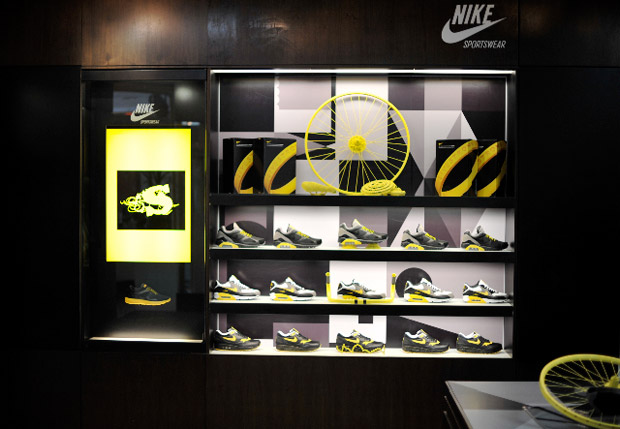 nike-livestrong-air-max-shoe-gallery-release-1