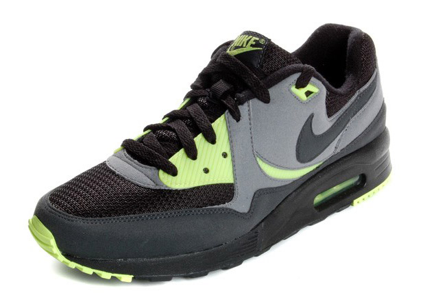 nike-sportswear-air-max-light-2009-may-1