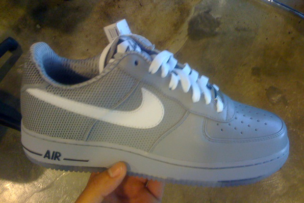 futura-nike-air-force-one-preview