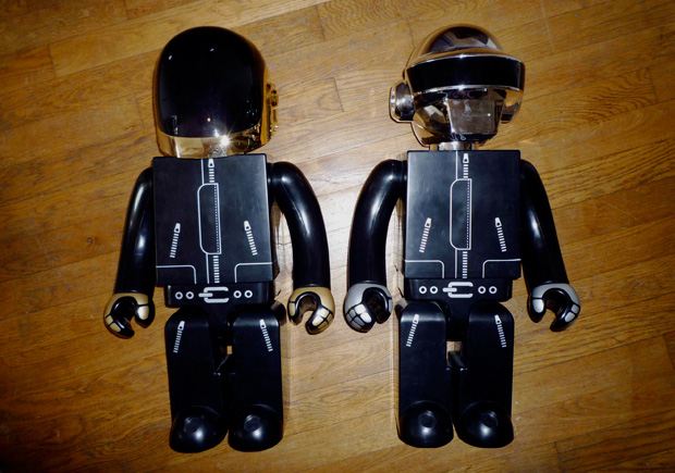 daft-punk-silly-thing-medicom-toy-1000-kubrick-preview