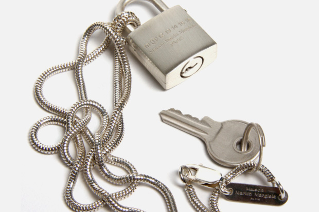 maison-martin-margiela-padlock-necklace