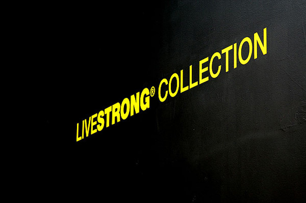 nike-sportswear-livestrong-installation-qubic