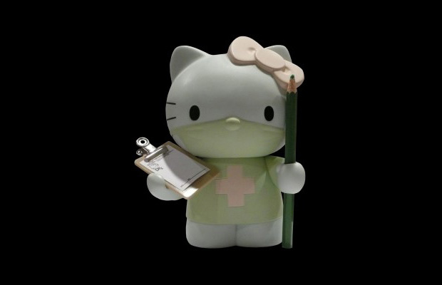 dr-romanelli-hello-kitty-medicom-toy-vinyl