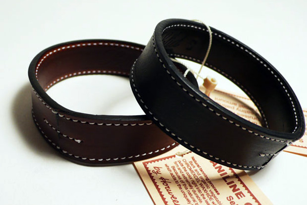 gallery-1950-solid-horween-case-bangle