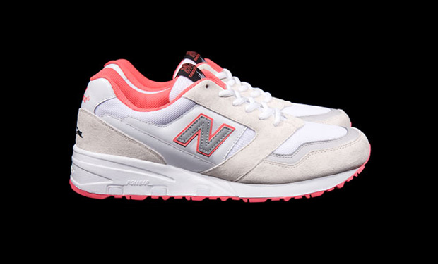 staple-new-balance-575-white-pigeon-closer-look