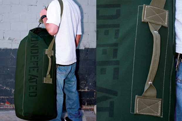 undefeated-top-load-duffle-bag