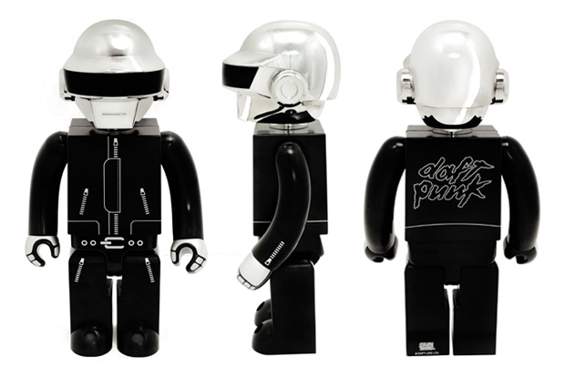 daft-punk-silly-thing-1000-kubrick-set-closer-look