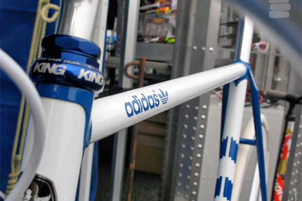 kalavinka-adidas-originals-samba-bike