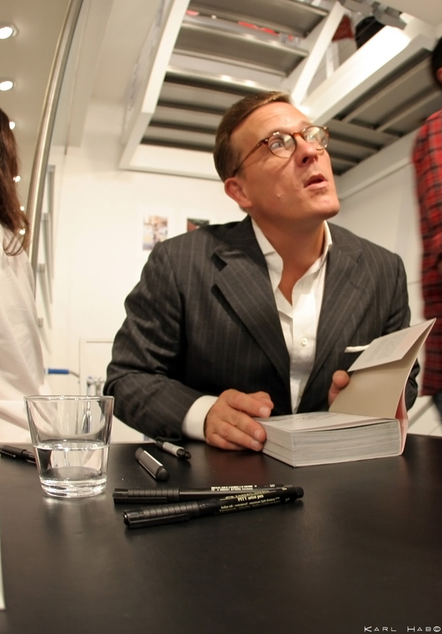 the-sartorialist-signing-colette
