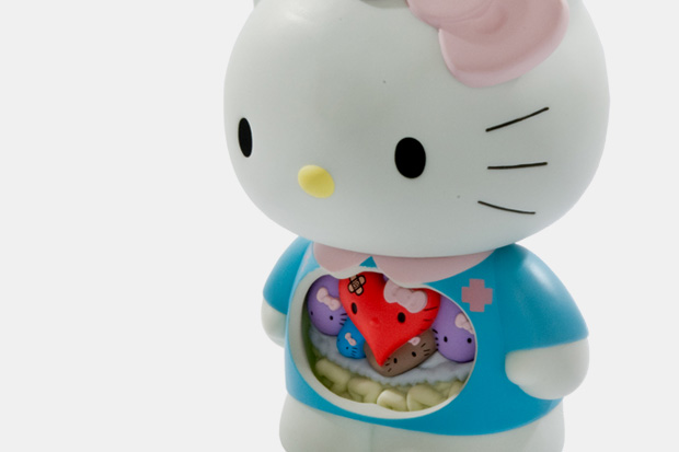 dr-romanelli-hello-kitty-medicom-toy-anatomy