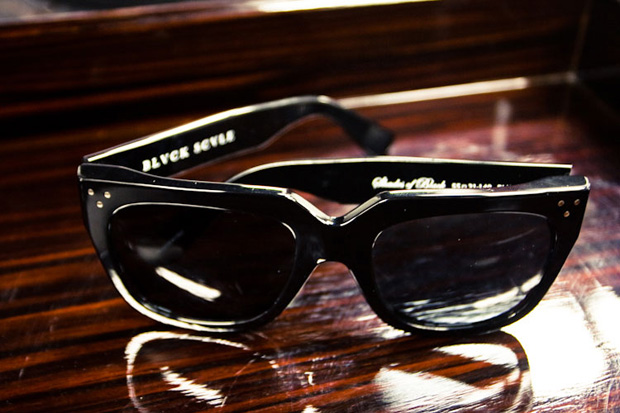 black-scale-shades-of-black-sunglasses