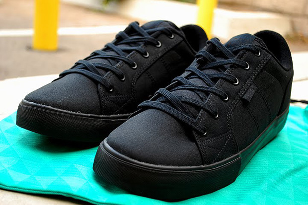 brooklyn-projects-circa-cero-black-friday-sneaker