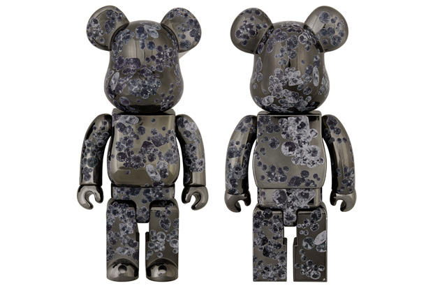 matt-black-medicom-toy-bearbrick