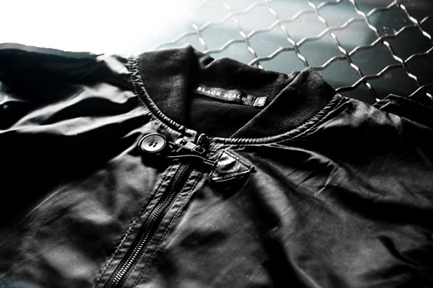 black-scale-android-homme-sneakers-jacket