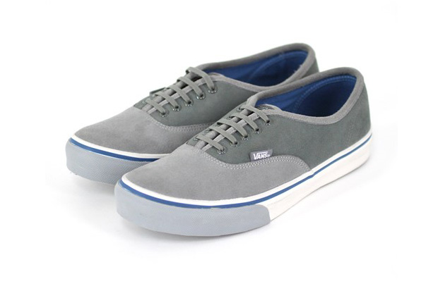 deluxe-vans-authentic