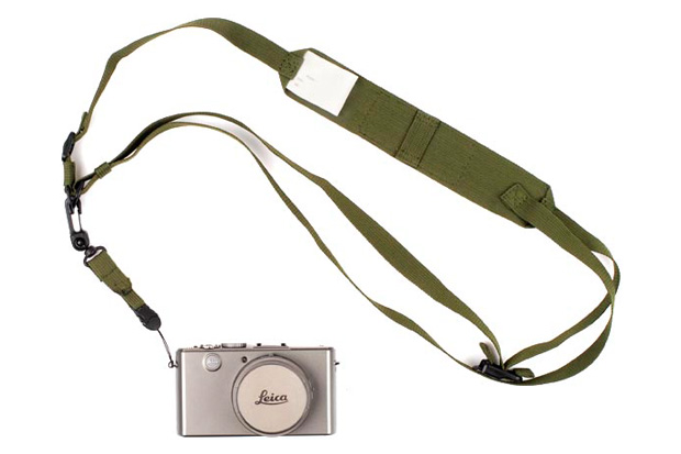 n-hoolywood-2009-holiday-camera-strap