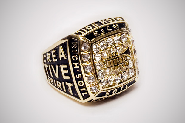 rich-soil-championship-ring-2