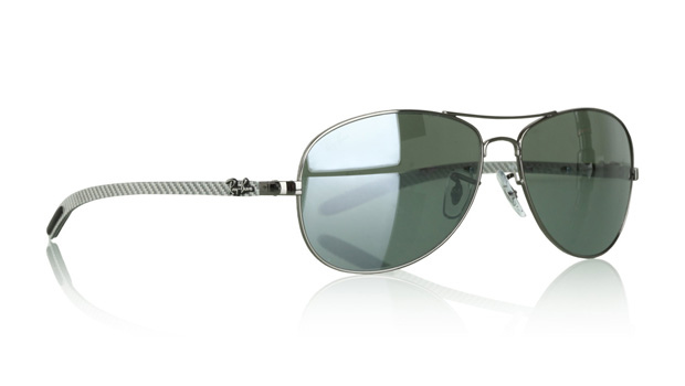 ray ban new collection  new colors and material makeups. amongst the standouts of the season are carbon fiber infused aviators, clubmasters, and timeless wayfarer silhouettes.