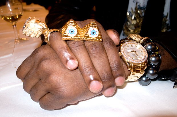 streetsnaps kanye west jewelry Check Out Kanyes Jewelery Game!