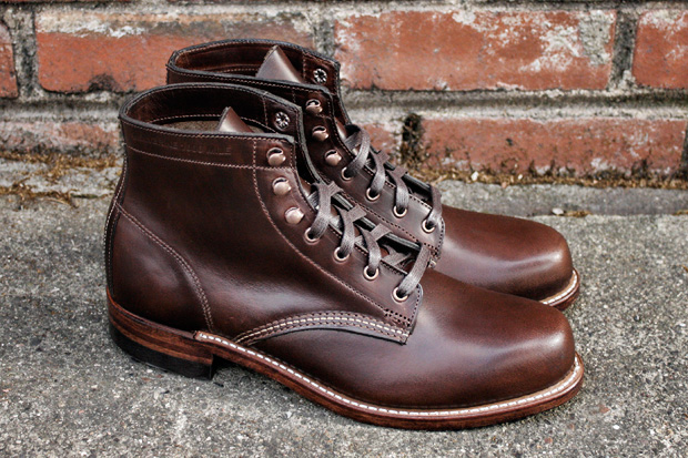 http://www.hypebeast.com/image/2010/01/wolverine-1000-mile-boots-hypebeast-2.jpg