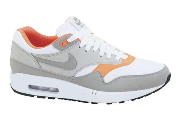 Spring 2010 welcomes another colorway of Nike's Air Max ...