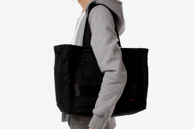 http://hypebeast.com/2010/4/briefing-sq-tote