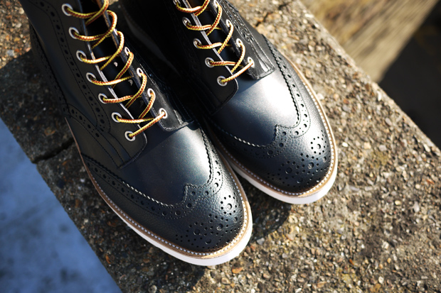 trickers present tone boot