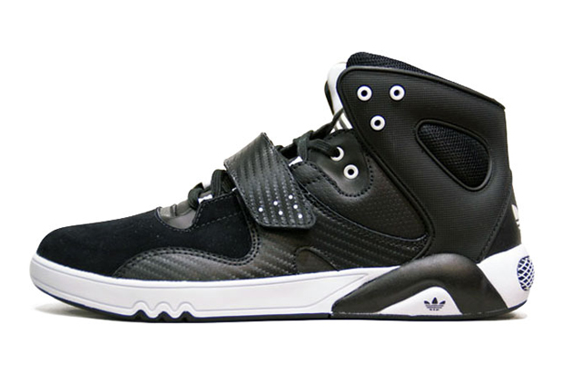 adidas roundhouse mid