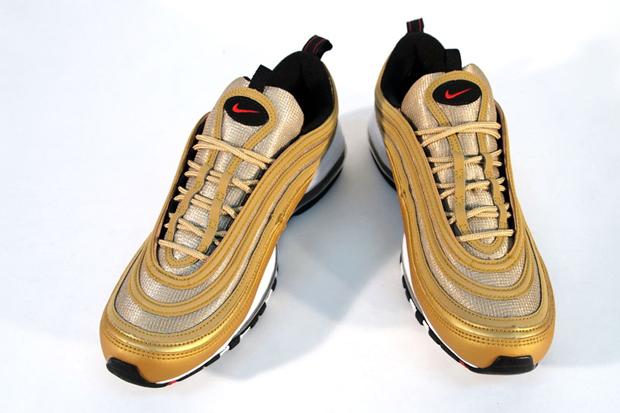 nike air max 97 le metallic goldvarsity redblack