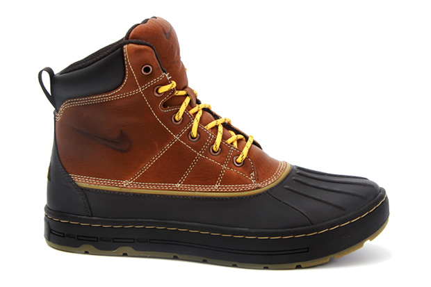 check out a3b86 00e0d Nike Woodside Hiking Boots