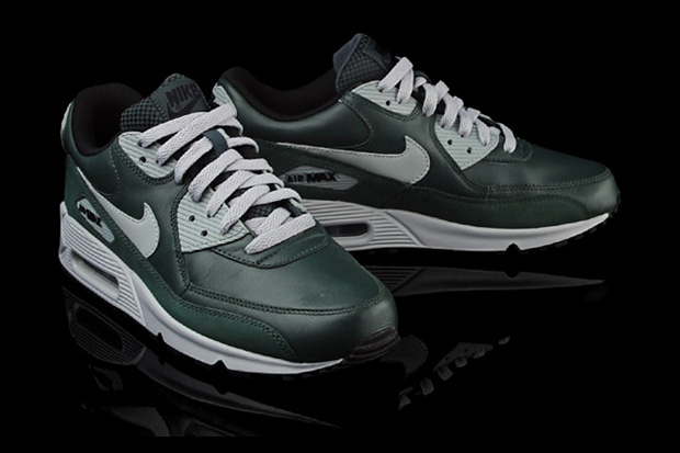 sale retailer dda8a 176f8 Caliroots takes stock of these new Nike Air Max 90 s ...