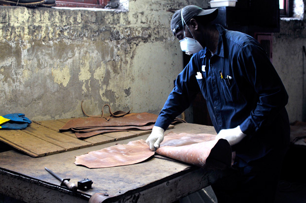 a continuous lean inside horween leather