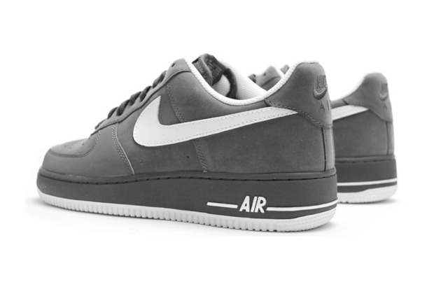 Here's another classic color up in Nike's always classic Air Force 1 ...