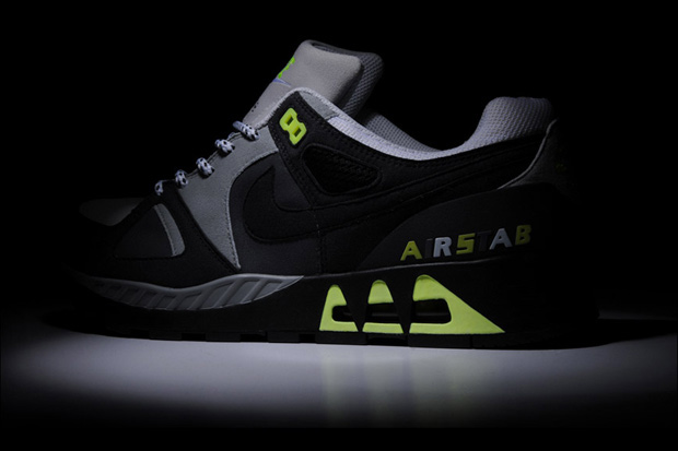 size x nike air stab preview