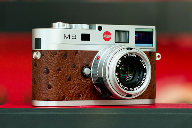 http://hypebeast.com/2010/12/leica-m9-limited-edition-ostrich