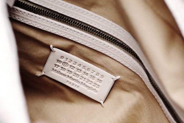 maison martin margiela wood grainmessenger bag