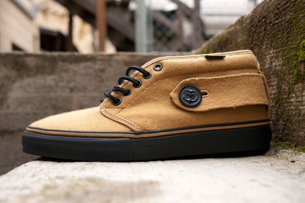 64fe69d82b Vans Vault drops a couple of new colorways in its Peacoat Chukka Boot for  Fall Winter 2010. The shoes feature the same wool upper seen on last year s  ...