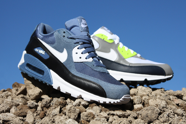 http://cdn.hypebeast.com/image/2011/10/nike-air-max-90-2011-october-new-releases-1.jpg