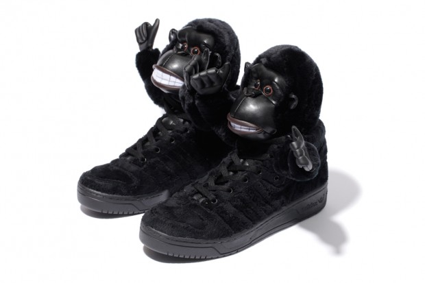 adidas-originals-by-originals-jeremy-scott-js-gorilla-further-look-1-620x413.jpg