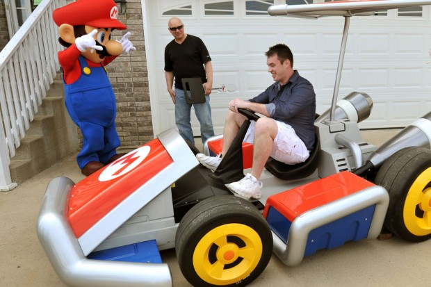 Latest Nintendo News Nintendo-delivers-real-life-mario-kart-to-gamestop-winner-3-620x413