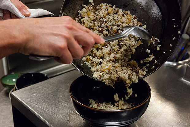 hypebeast eats oxtail fried rice by blue ribbon sushi bar and grill las vegas
