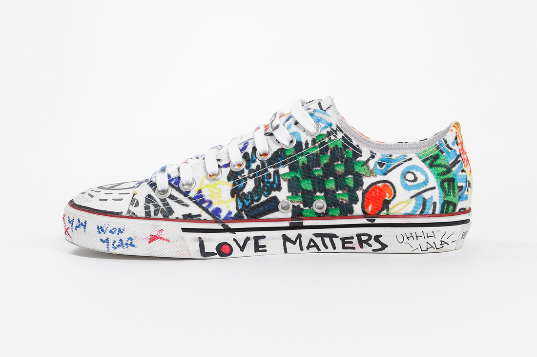 Vetements Graffiti Sneakers