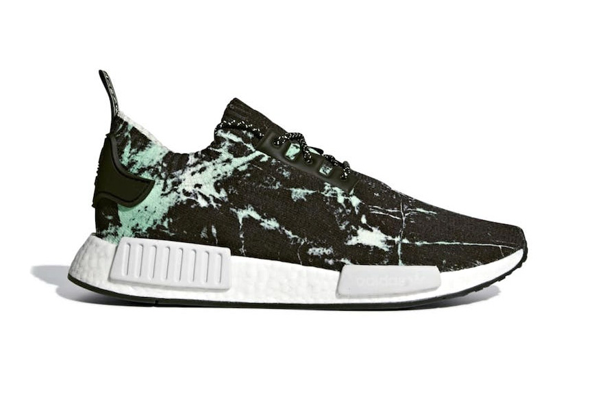 official photos 30d83 c8bfd adidas NMD R1 Primeknit