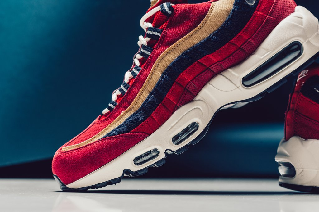 cba4be9ed054 Nike Air Max 95 Premium