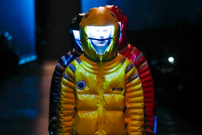 UNDERCOVER Astronautics Down Jacket