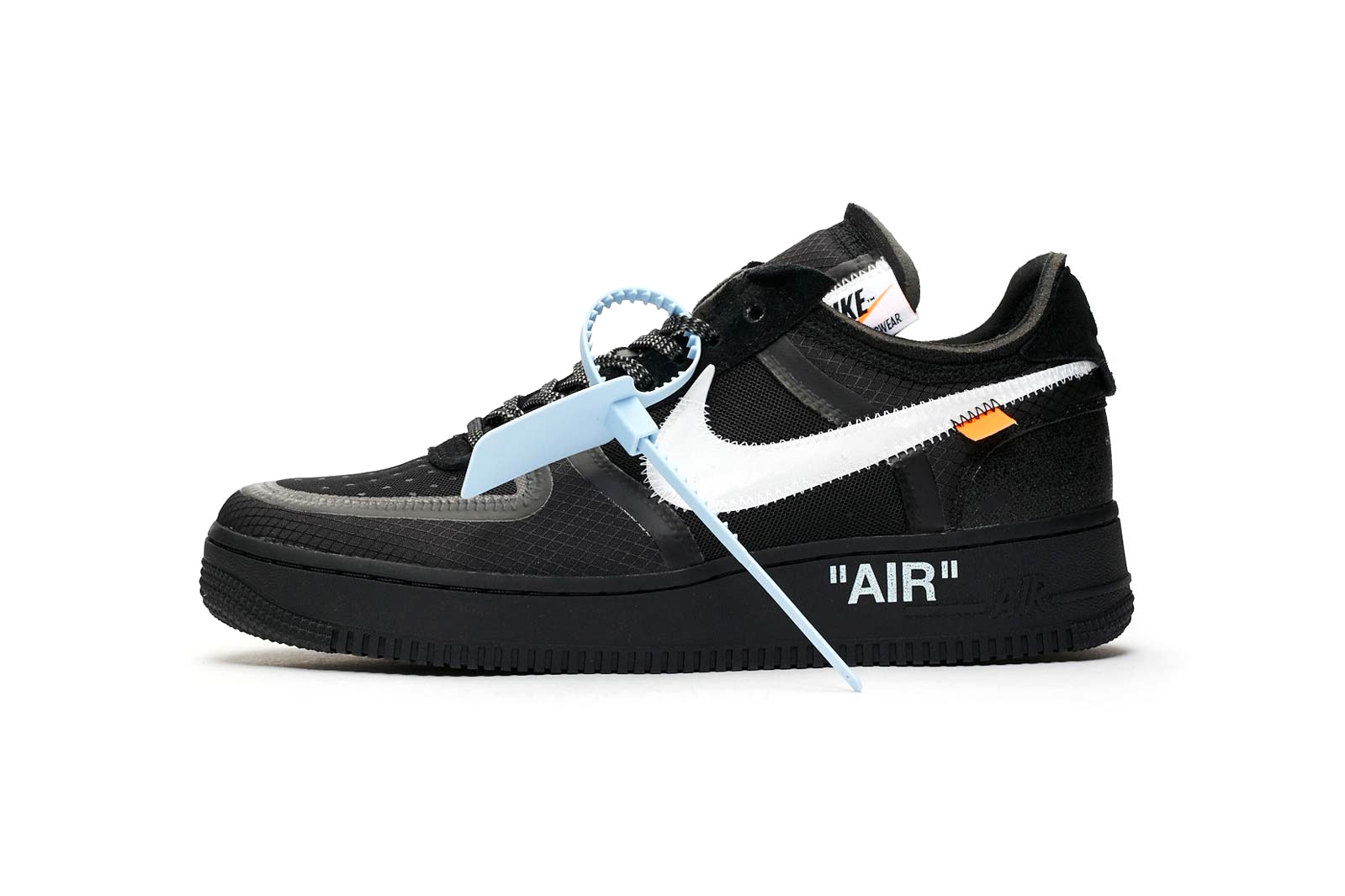sale retailer 74da1 01b20 Off-White™ x Nike Air Force 1
