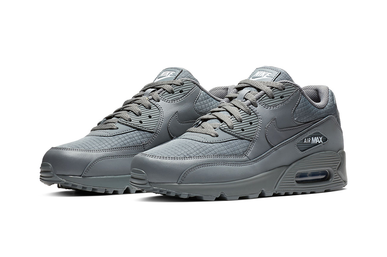 huge selection of e5664 465ca Nike Air Max 90 Essential