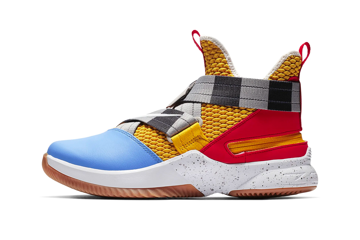 separation shoes e9807 fa933 Nike LeBron Soldier 12