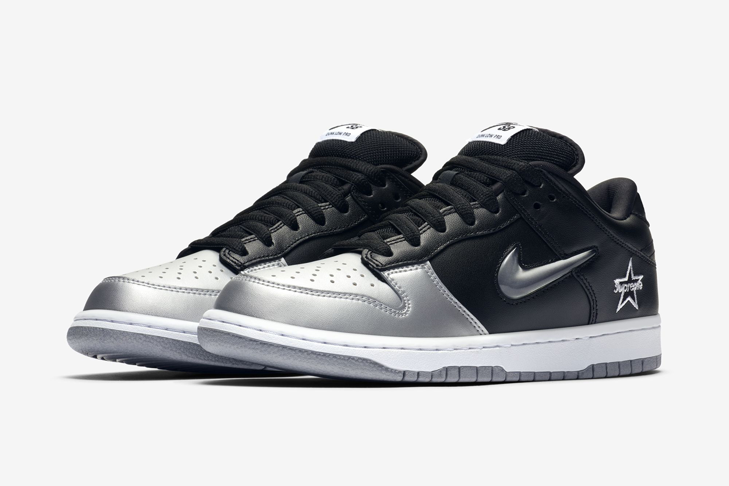 reputable site b9aee 01f9d Supreme x Nike SB Dunk Low