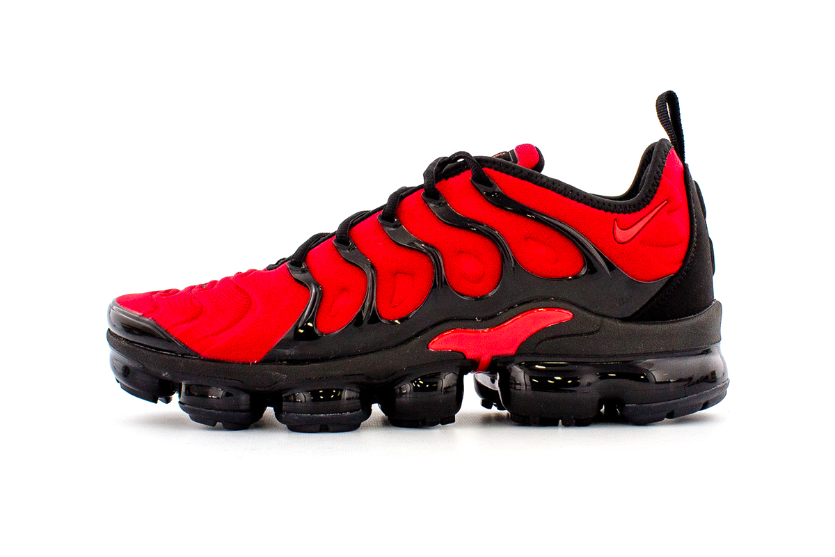 Nike Air VaporMax Plus University RedBlack